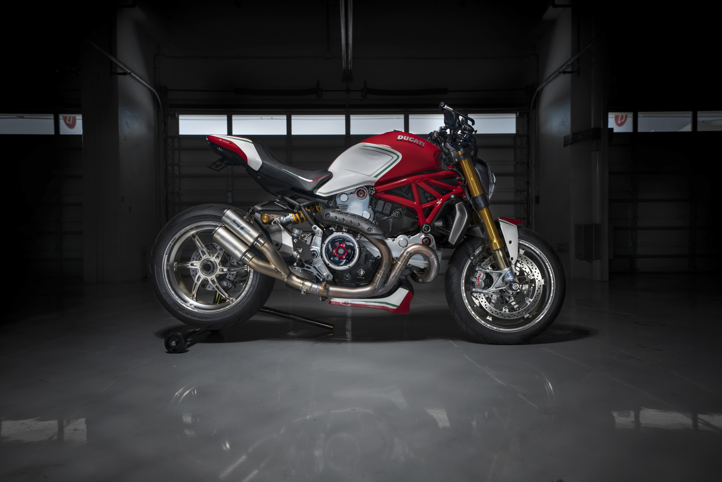 motovation monster 1200 project tricolore custom