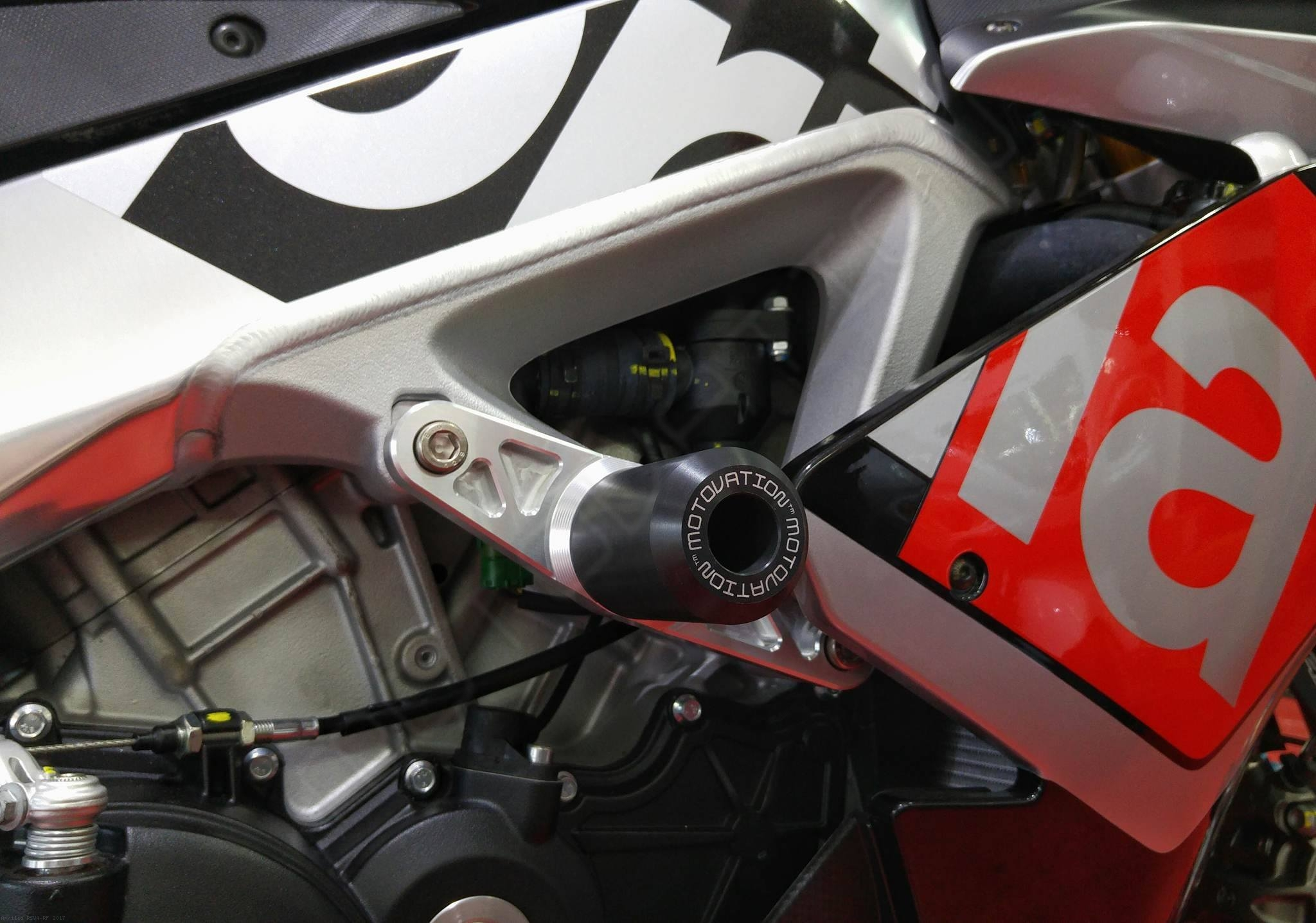 Frame Sliders By Motovation Accessories Aprilia Rsv4 Rf