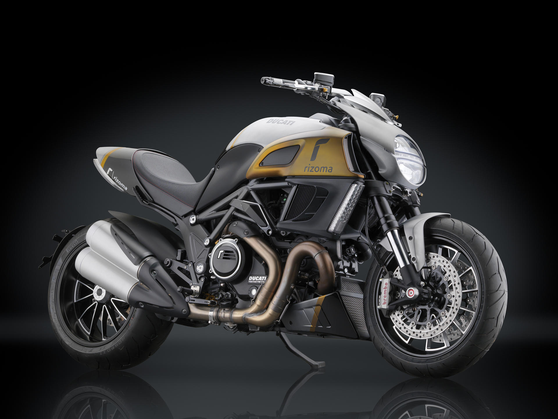 ducati diavel 2010 2013 front spoiler by rizoma. Black Bedroom Furniture Sets. Home Design Ideas