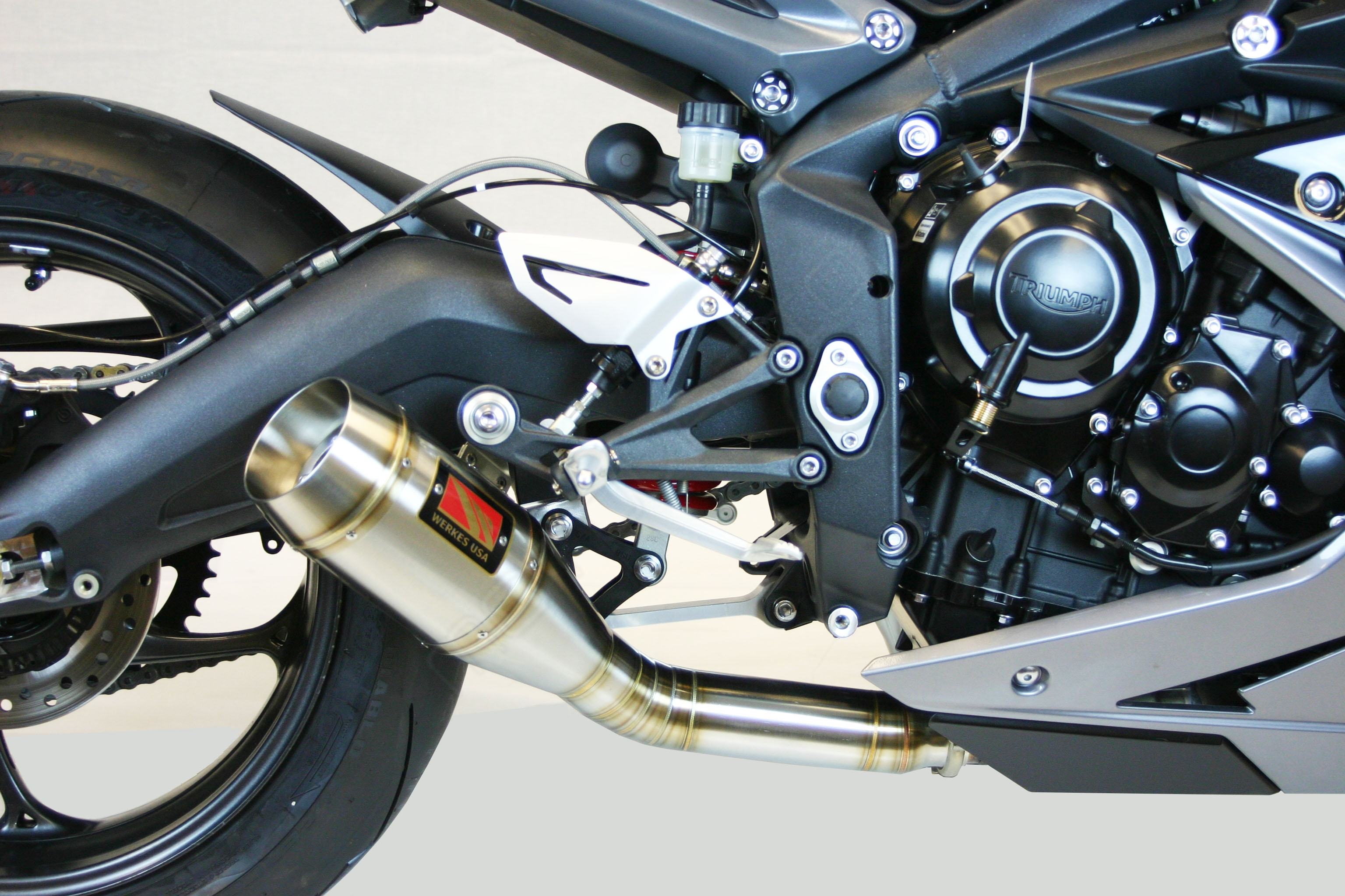 gp slip on exhaust by competition werkes triumph daytona 675r 2017 wt679. Black Bedroom Furniture Sets. Home Design Ideas