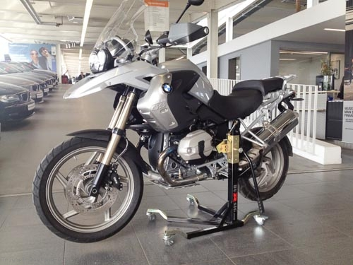 Bursig Racing Stand With Wheels And Bike Adapter Triumph Daytona