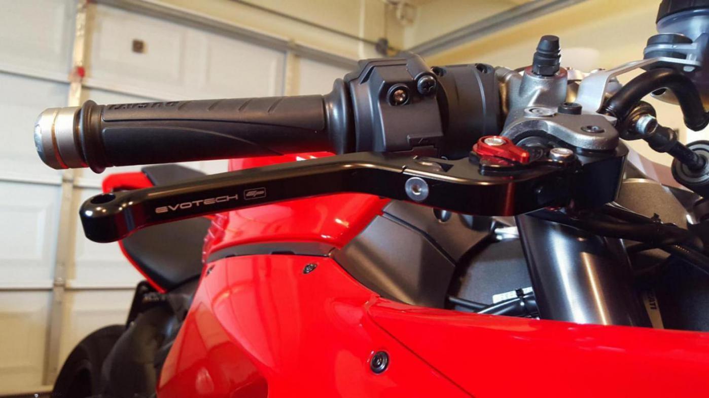 Standard Length Folding Brake And Clutch Lever Set By Evotech Triumph Sdmaster 2016