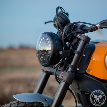 Single 7 Inch LED Headlight Conversion Kit by Motodemic Ducati / Scrambler 800 Street Classic / 2019