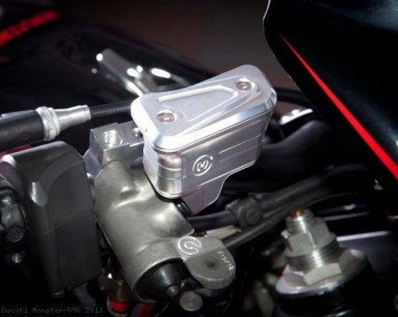 New Style Billet Brake Reservoir for Brembo Radial Master Cylinders by MotoCorse Ducati / Monster 696 / 2011