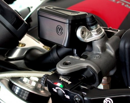 Billet Reservoirs for Brembo RCS Master Cylinders - Naked bike version by MotoCorse