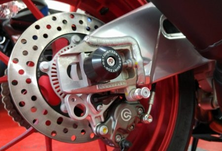 Rear Axle Sliders by Motovation Accessories Aprilia / RSV4 RF / 2017