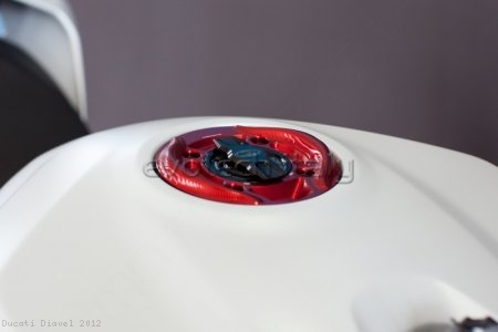 Rapid Release Billet Aluminum Gas Cap by Evotech Italy Ducati / Diavel / 2012