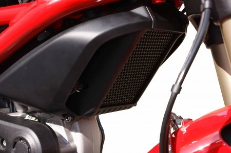 Oil Cooler Guard by Evotech Performance Ducati / Monster 1100 / 2010
