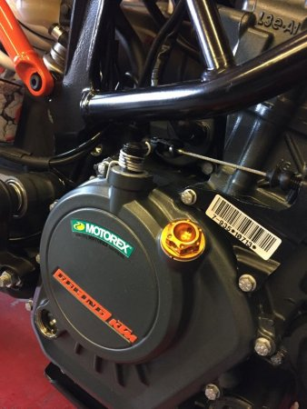 Engine Oil Filler Cap by Evotech Italy