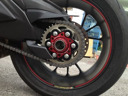 Sprocket Carrier Side Rear Axle Nut by Ducabike Ducati / 1198 / 2013