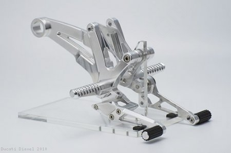 Adjustable Rearsets by AELLA Ducati / Diavel / 2010