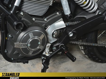 Aluminum Sprocket Cover by Rizoma Ducati / Scrambler 800 Cafe Racer / 2018