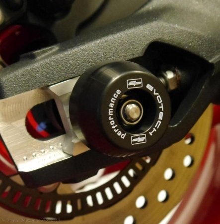 Rear Axle Sliders by Evotech Performance Triumph / Daytona 675 / 2011