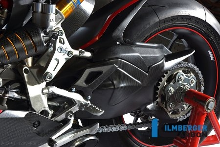 Carbon Fiber Swingarm Cover by Ilmberger Carbon Ducati / 1299 Panigale S / 2016