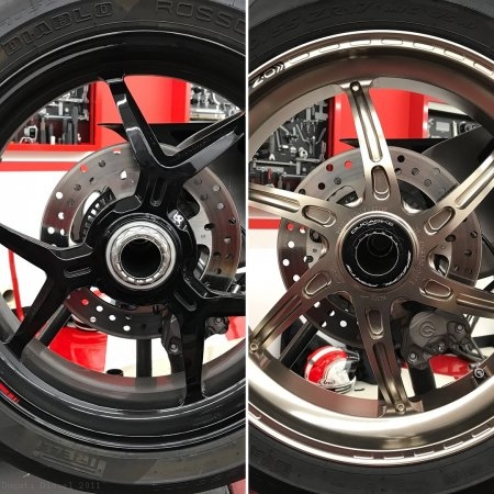 Rear Wheel Axle Nut by Ducabike Ducati / Diavel / 2011