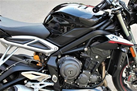Carbon Fiber Tank Slider Kit by Strauss Carbon Triumph / Daytona 675R / 2014