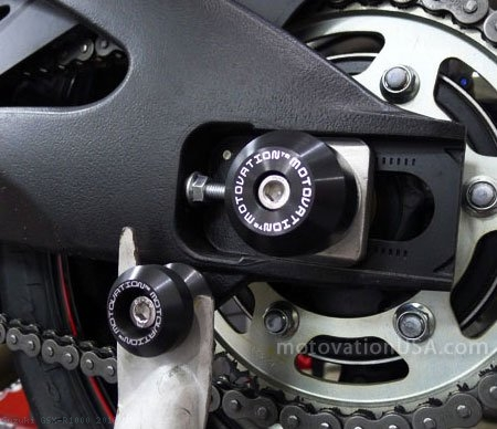 Rear Axle Sliders by Motovation Accessories Suzuki / GSX-R1000 / 2016