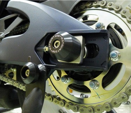 Rear Axle Sliders by Motovation Accessories Suzuki / GSX-R750 / 2014
