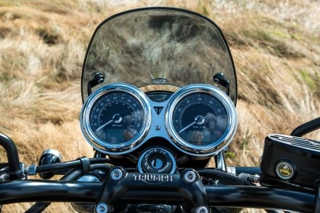 Classic Flyscreen by Dart Flyscreens Triumph / Bonneville T120 / 2019