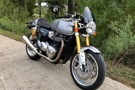 Classic Flyscreen by Dart Flyscreens Triumph / Thruxton 1200 / 2019