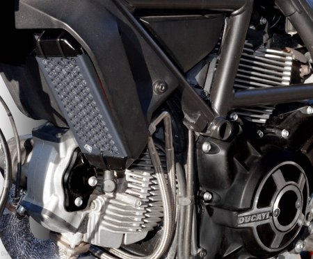 Aluminum Oil Cooler Guard by Ducabike Ducati / Scrambler 800 Mach 2.0 / 2019