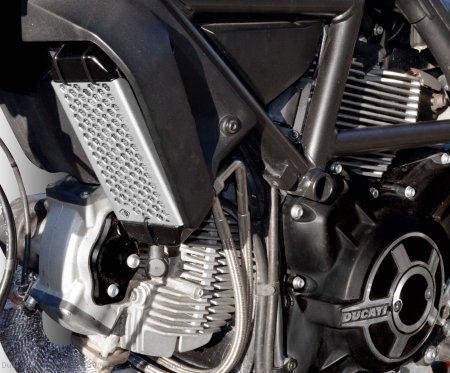 Aluminum Oil Cooler Guard by Ducabike Ducati / Scrambler 800 Italia Independent / 2016