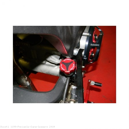 Carbon Inlay Rear Brake Fluid Tank Cap by Ducabike Ducati / 1199 Panigale Superleggera / 2014